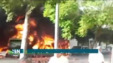 Arde autob�s en C�rdoba