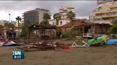 Fuerte viento y lluvia en Andaluc�a