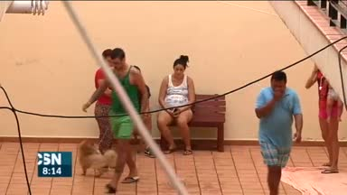 20 familias ocupan edificio en Chiclana