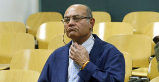 l expresidente de la CEOE Gerardo D�az Ferr�n, al inicio hoy del juicio en la Audiencia Nacional