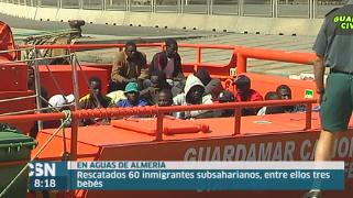 Rescatados 60 inmigrantes en Almer�a