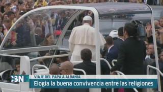 El Papa visita Albania
