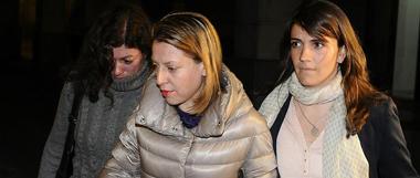 La exdelegada de Empleo en Ja�n, Irene Sabalete (c), uno de los detenidos en la operaci�n Barredo, iniciada por la Unidad Central Operativa (UCO) de la Guardia Civil en Andaluc�a por orden de la jueza Mercedes Alaya, entrando a declarar.