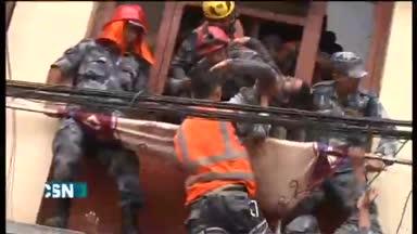 M�s de 2.300 muertos en terremoto de Nepal