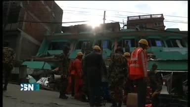 200 monta�eros desaparecidos en el Evgerest