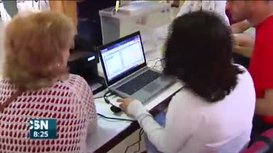 Votos electr�nicos en Sevilla y Ja�n