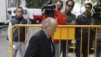 El exviceconsejero de Bienestar Social de la Junta de Andaluc�a Jos� Mar�a Oliver Pozo, a su llegada al Tribunal Supremo para declarar como testigo en la investigaci�n del fraude en los ERE