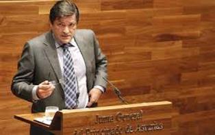 Javier Fern�ndez en Parlamento Asturias 314