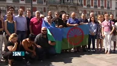 Los roman�es recuerdan su holocausto