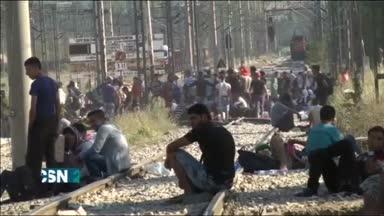 Bruselas propone repartir 120 mil refugiados