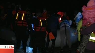 La solidaridad en el banquillo: 3 bomberos de Sevilla juzgados por rescatar inmigrantes