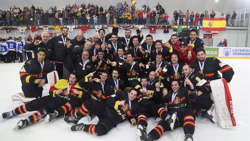 España gana el Mundial de hockey sobre hielo en categoría B y sube a ...